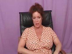 Madre Gaby e un video porno italiani film ragazzo che usa la sua faccia.