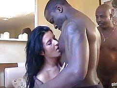 Deepthroat film porno sesso italiano nausea goffo goffo