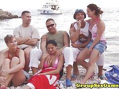 Spiaggia massaggi erotici italiani in topless estate